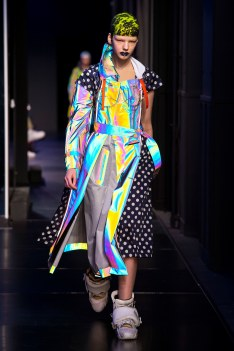 The Eye of Faith Vintage Blog Shop - Style Inspiration - Retro Future 90s Fashion- Maison Margiela Couture AW 2018- Holographic Madness Trend
