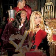The Eye of Faith Vintage Blog Shop- Music Minute- Amanda Lear - Style Icon- DALI FUN