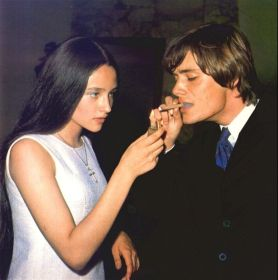 The Eye of Faith Vintage Blog Shop- Style Inspiration- Romeo and Juliet- Olivia Hussey Leonard Whiting - 1967 1968 mod fashion stars 12