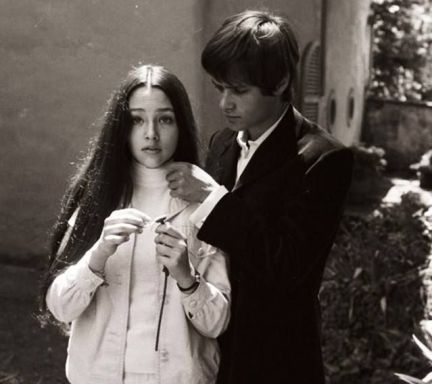 The Eye of Faith Vintage Blog Shop- Style Inspiration- Romeo and Juliet- Olivia Hussey Leonard Whiting - 1967 1968 mod fashion stars 13