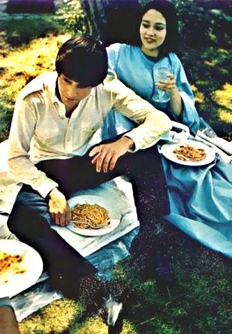 The Eye of Faith Vintage Blog Shop- Style Inspiration- Romeo and Juliet- Olivia Hussey Leonard Whiting - 1967 1968 mod fashion stars 2