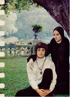 The Eye of Faith Vintage Blog Shop- Style Inspiration- Romeo and Juliet- Olivia Hussey Leonard Whiting - 1967 1968 mod fashion stars 3