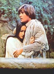 The Eye of Faith Vintage Blog Shop- Style Inspiration- Romeo and Juliet- Olivia Hussey Leonard Whiting - 1967 1968 Zefferilli Film- Romeo Style Fashion 15