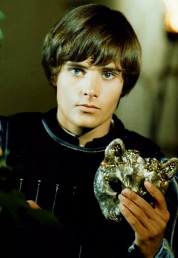 The Eye of Faith Vintage Blog Shop- Style Inspiration- Romeo and Juliet- Olivia Hussey Leonard Whiting - 1967 1968 Zefferilli Film- Romeo Style Fashion Stud