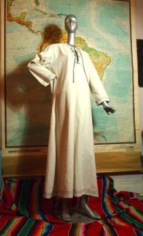 The Eye of Faith Vintage Blog Shop- Style Inspiration- Romeo and Juliet-Romeo Mens Fashion Clothing- Cream Linen 1960s Caftan Robe